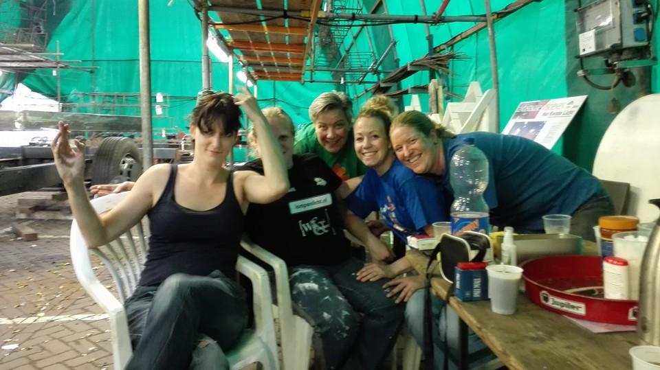 Ook door de Reisvenne-vrouwen wordt hard gewerkt